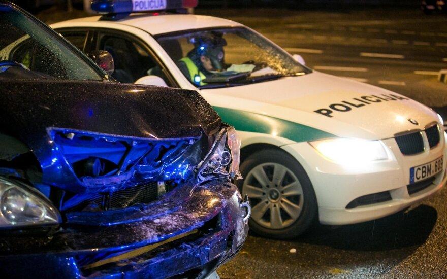Kelyje Kauno link 6 mašinų avarija, buvo sutrikęs eismas