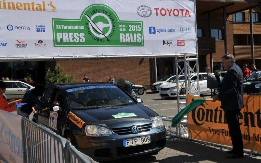 """Trakuose startavo jubiliejinis """"Press ralis"""" (A. Brazaičio ir G. Matulaičio nuotr.)"""