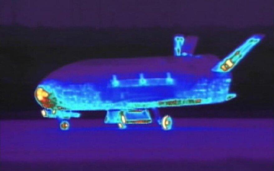 """JAV erdvėlaivis """"X-37B"""""""