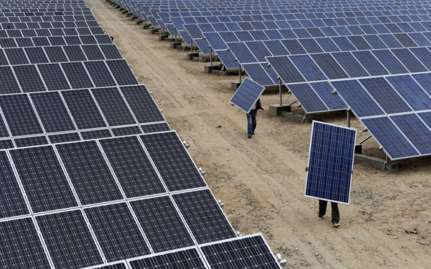 Kinijos atsakas į saulės baterijų krizę