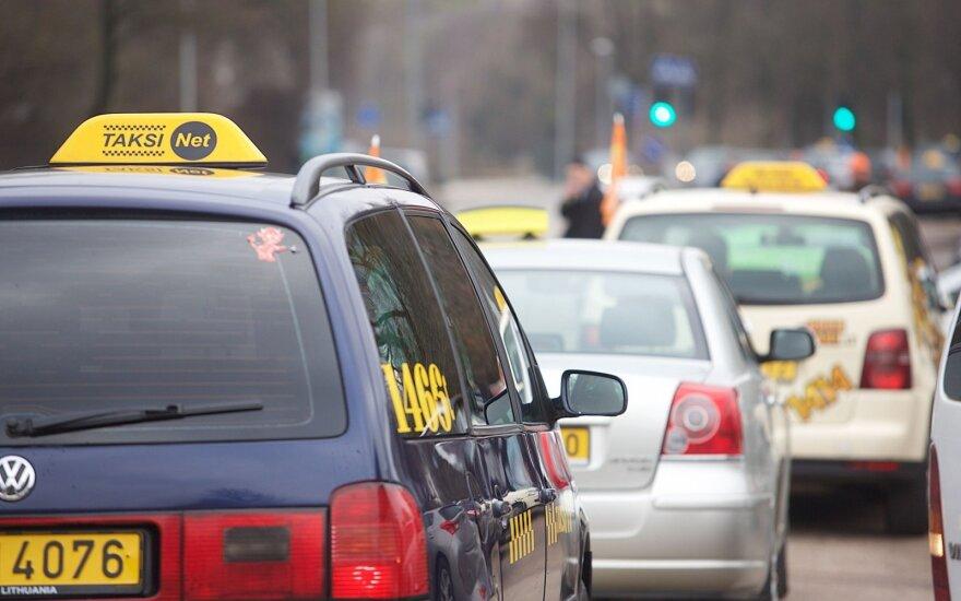 Keliautojus papiktino taksisto pasiūlyta kaina: tai kenkia Vilniaus įvaizdžiui