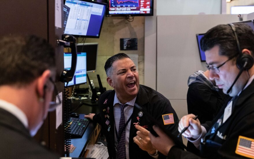 Akcijų biržos reaguoja į koronavirusą