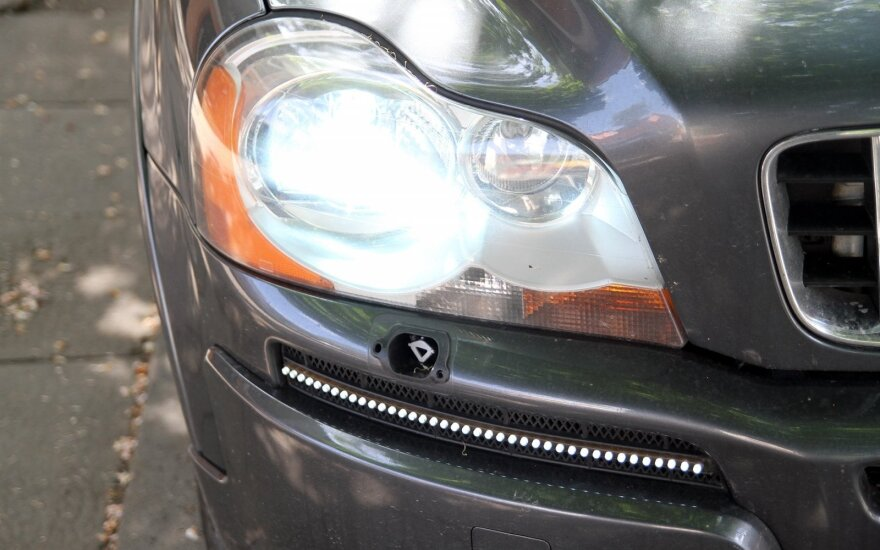Automobilio šviesos: beveik visi daro šią klaidą