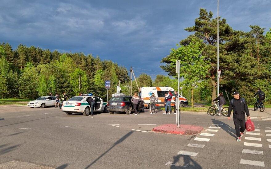 Vilniuje iš miškelio išbėgusį alaus vagį gatvėje partrenkė automobilis