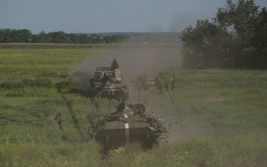 Ukraina: žuvo 7 vyriausybės pajėgų kariai