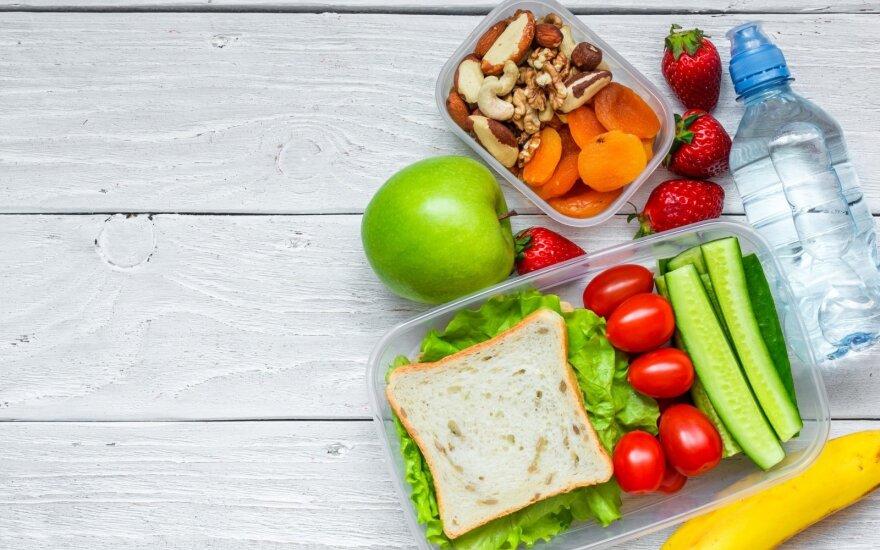 Kaip suruošti priešpiečių dėžutę į mokyklą, kad vaikui nekiltų noras valgyti nesveiko maisto