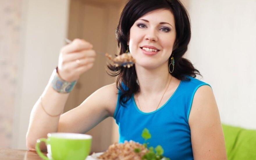 Mitybos specialistė pataria: ar tikrai sveiki pusryčiai – tai tik nešlifuotų grūdų košė?