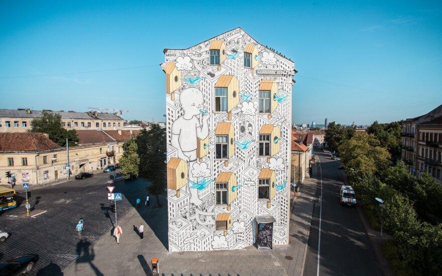 """Prie Halės turgaus jau baigtas pirmasis festivalio """"Vilnius Street Art"""" menininkų darbas"""