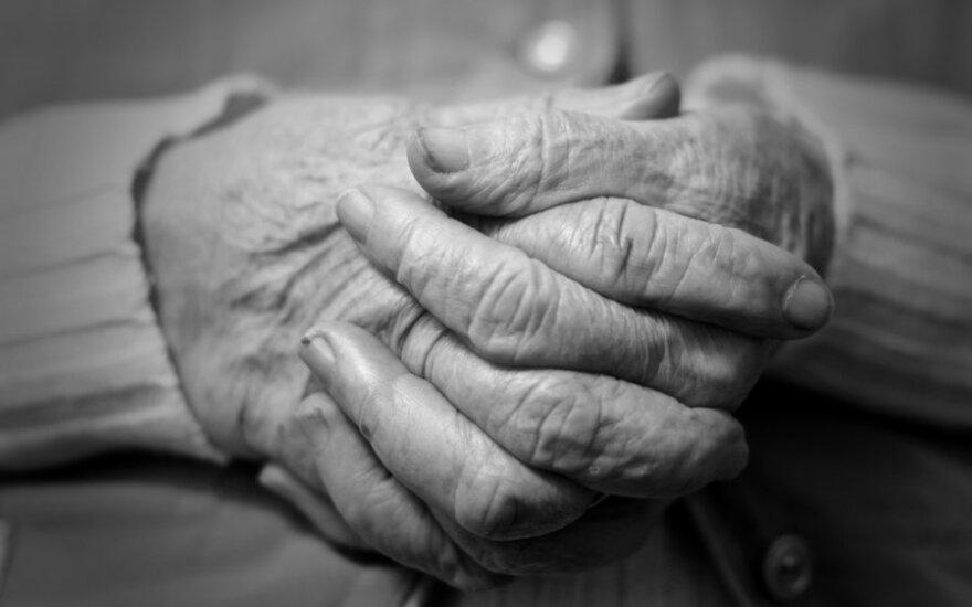 23 metų vaikinas Švedijoje kaltinamas 92 metų senolės išžaginimu
