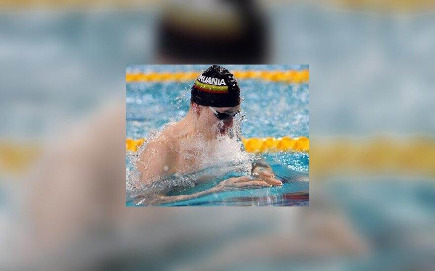 Universiadoje plaukikas G.Titenis dukart pagerino šalies rekordą, bet liko be medalio