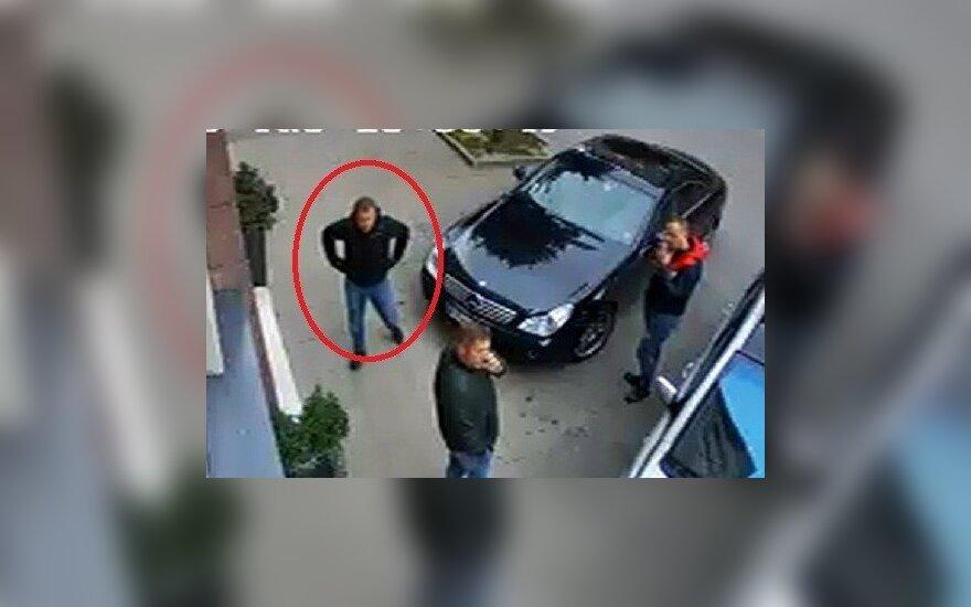 Kauno pareigūnai prašo atsiliepti asmenis, atpažįstančius nuotraukoje užfiksuotą vyrą