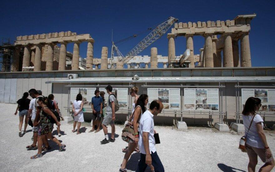 Krizės nualinta Graikija pusmečiui stoja prie ES vairo