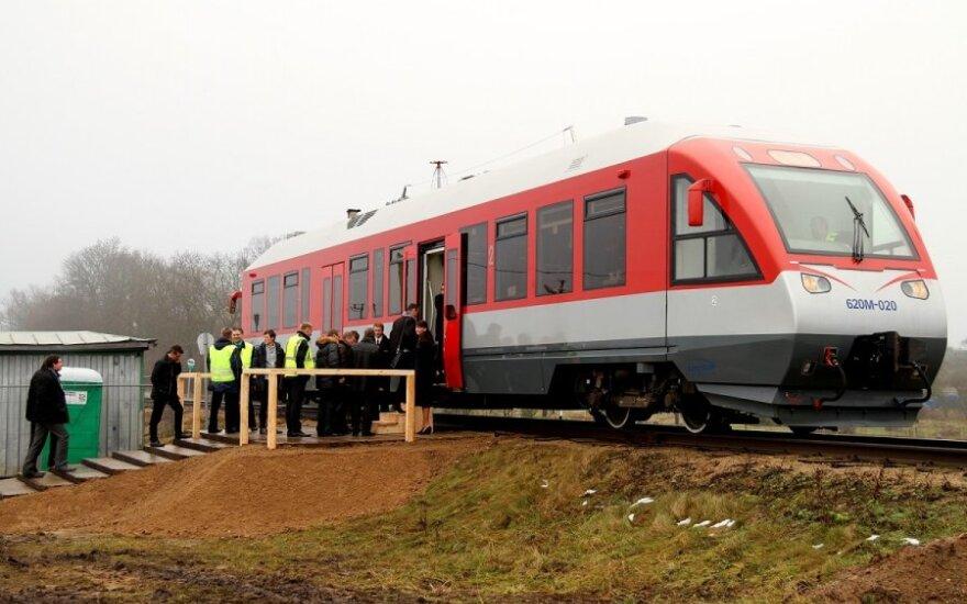 """Seimas įpareigojo Vyriausybę aiškintis """"Rail Baltica"""" ekonominį naudingumą"""