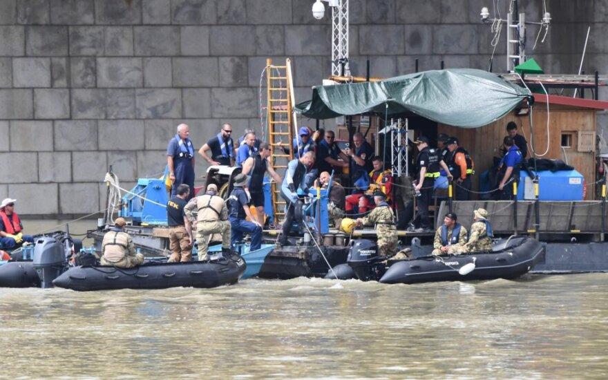 Budapešte iš nuskendusio laivo ištraukti 13-tos aukos palaikai