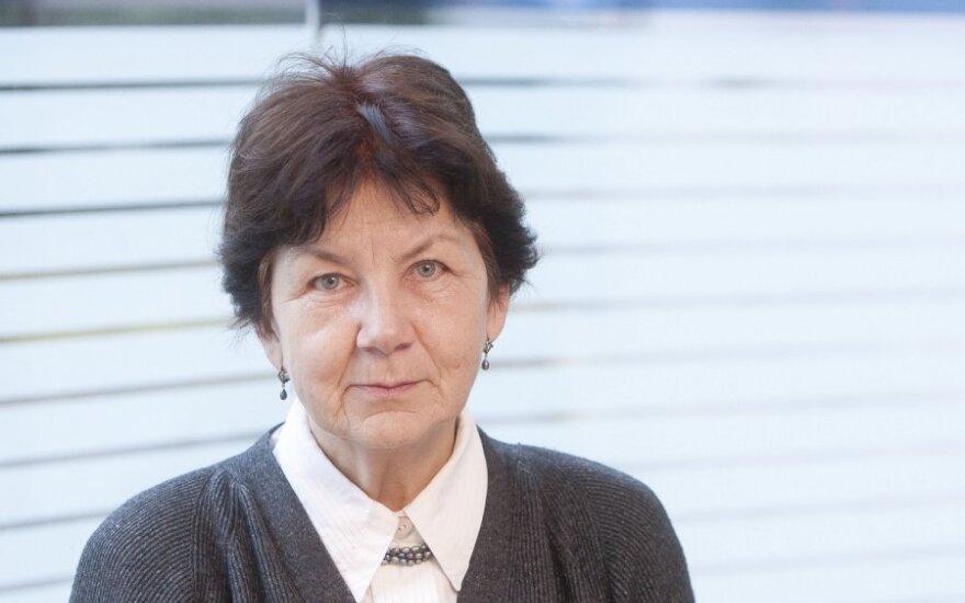 B.Lukošiūtė-Teta Beta: mano sūnų pravardžiuodavo labanaktuku