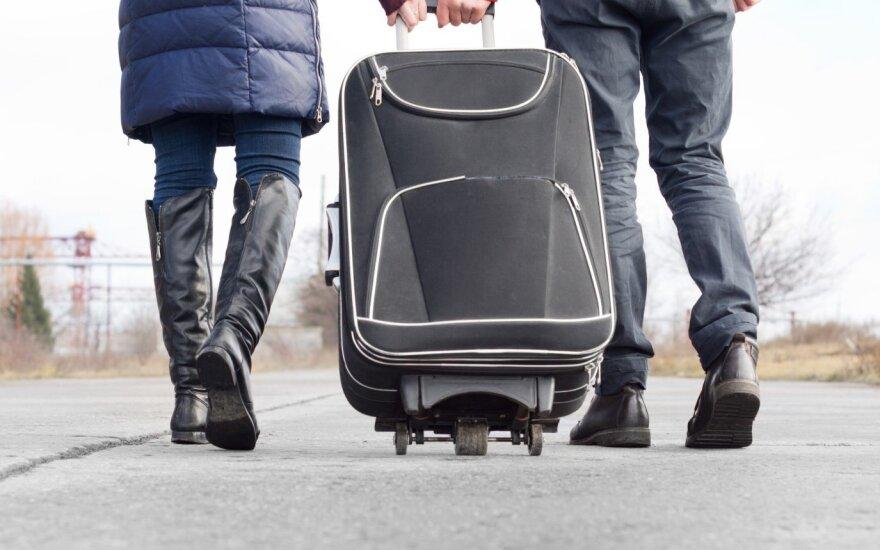Emigracija mažėja: pernai fiksuoti skaičiai teikia vilčių