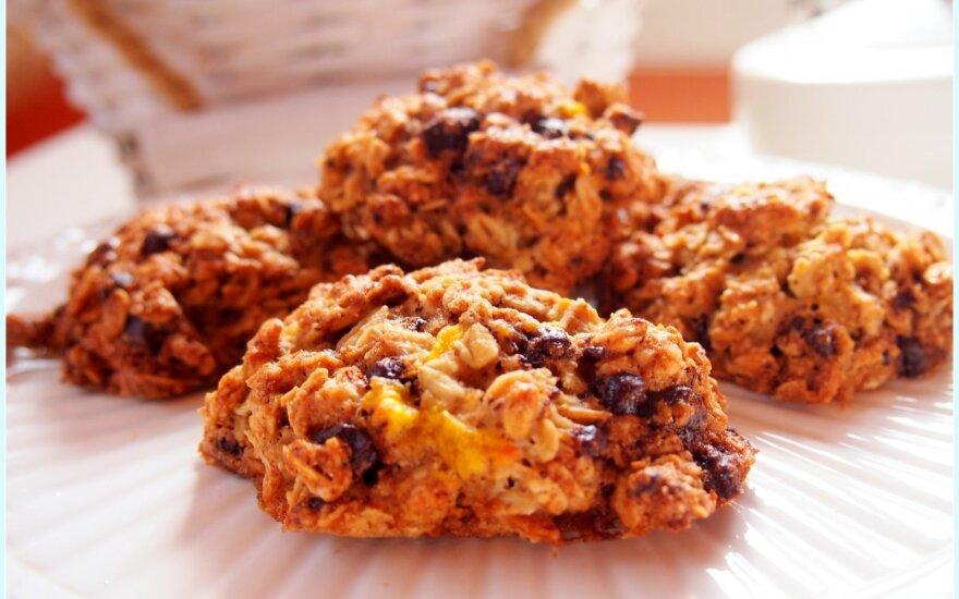 Burnoje tirpstantys avižiniai sausainiai su šokoladu