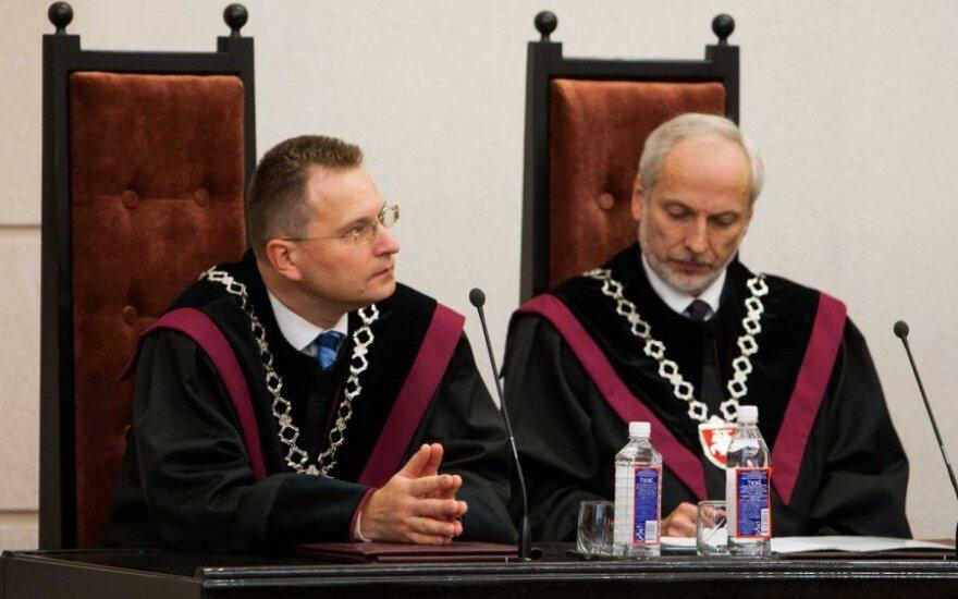 Siūloma keisti Konstitucinio Teismo nutarimų įsigaliojimo tvarką