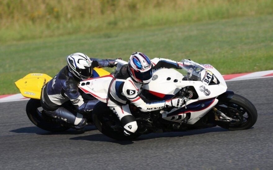 Apšildę lenkus užkaitins Baltijos trijulės motociklininkus