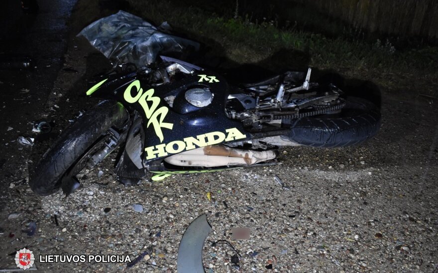 Skaudi avarija Šakių rajone: po susidūrimo žuvo motociklo vairuotojas