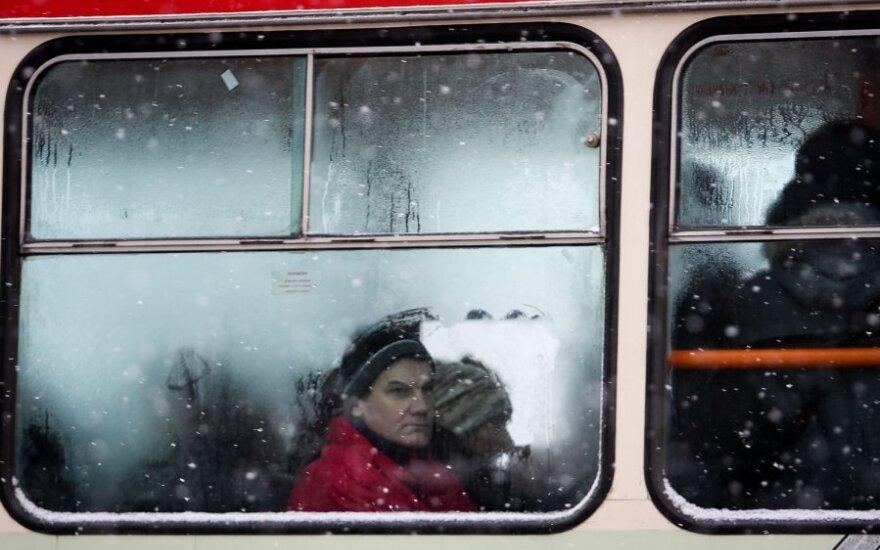 Chaosas Vilniaus viešajame transporte: keleiviai skundžia keleivius