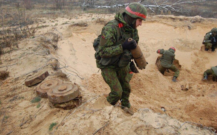 Lietuvos kariuomenę kūrusius karius uždrausta iškeldinti iš tarnybinių butų