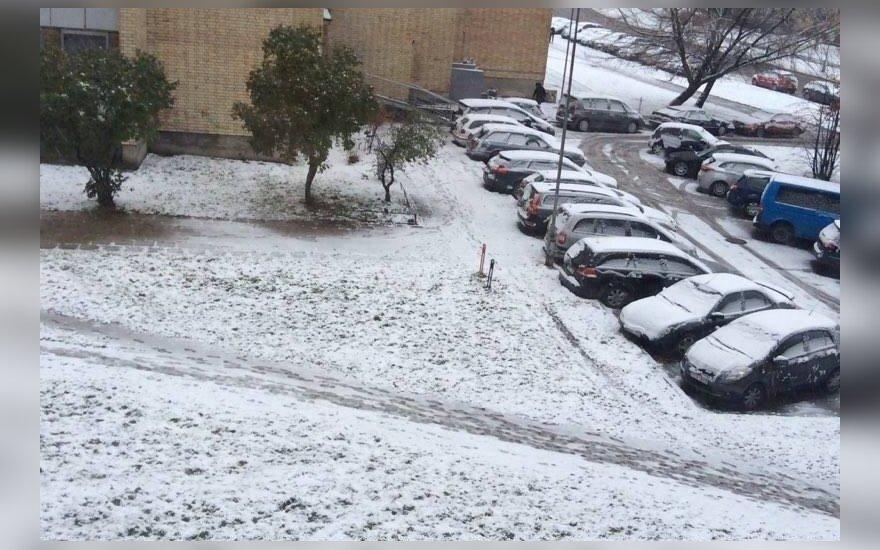 Fotografuok! Lietuvą nuklojo sniegas
