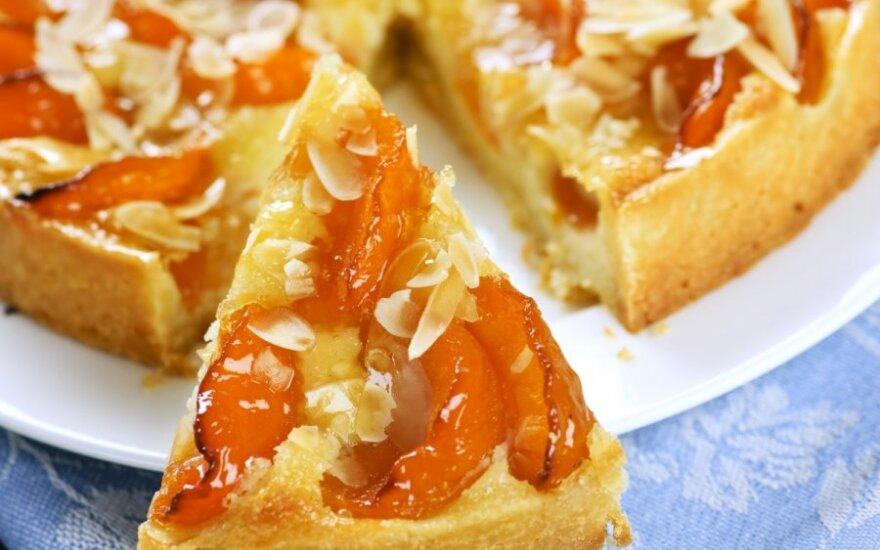 Abrikosinis varškės pyragas