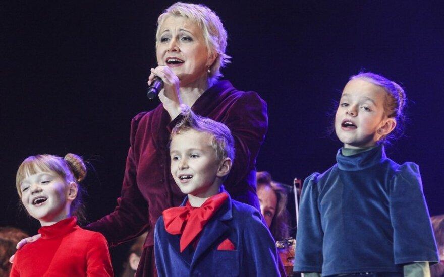 Neringa Čereškevičienė apie tai, kaip jai pavyksta susikalbėti su būriu vaikų: svarbiausia du dalykai