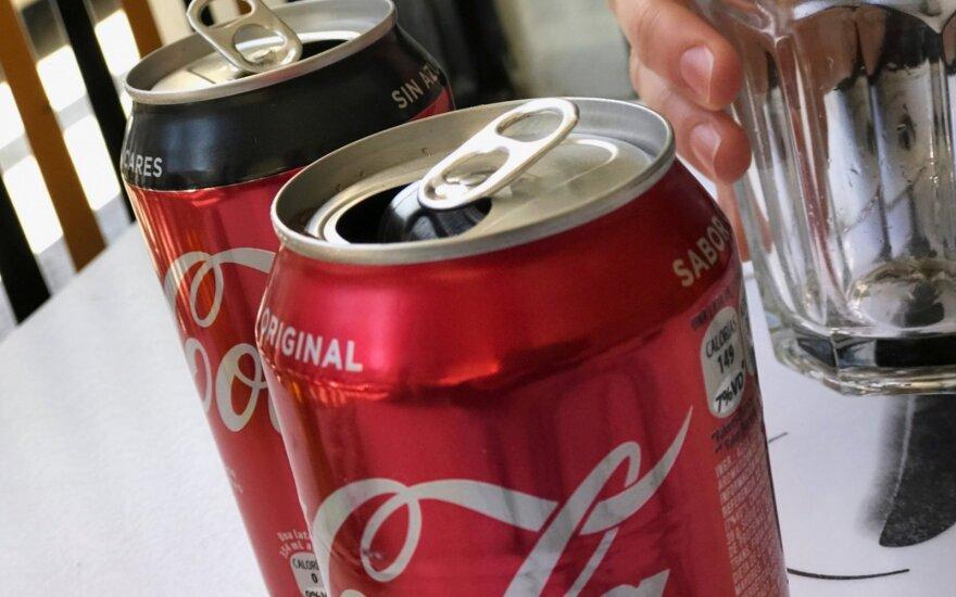 "Du savo vaikus vien ""Coca-Cola"" maitinęs tėvas pasiųstas į kalėjimą"