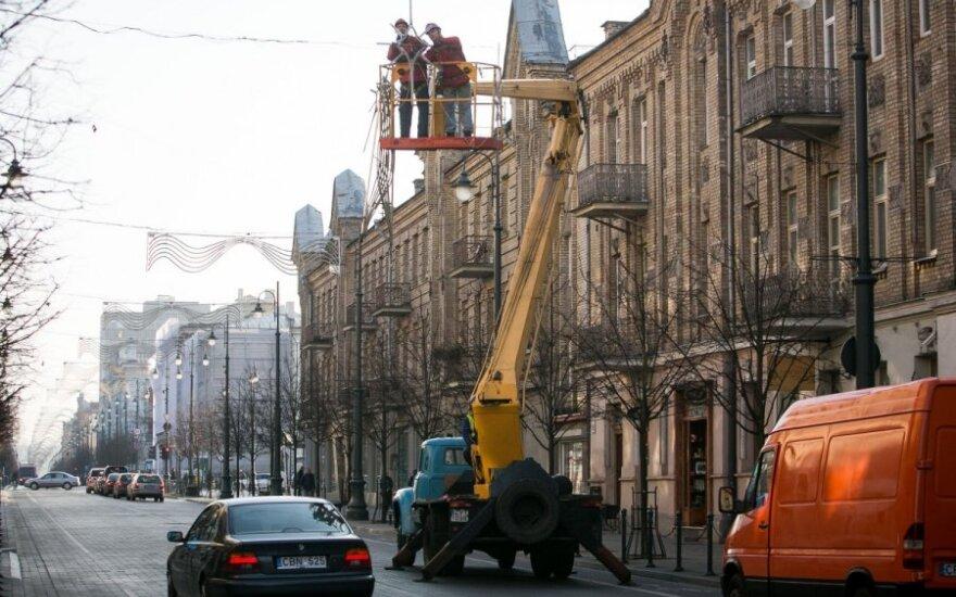 Vilnius puošiamas Kalėdoms, Kaunas jau planuoja eglės įžiebimą