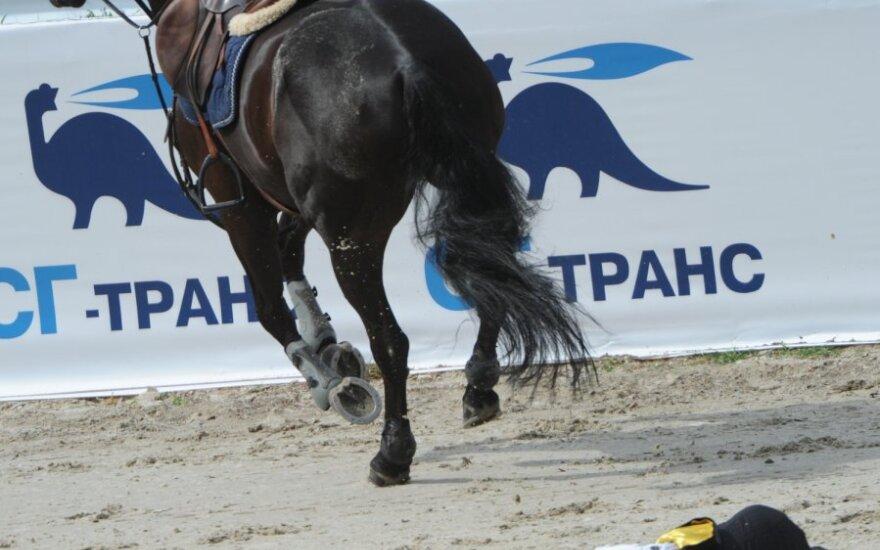 Užgriuvus žirgui Benas Gutkauskas patyrė rimtų sužalojimų