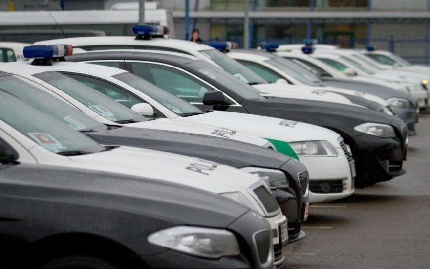 """Kriminalisto avarija: sudaužyti trys automobiliai, vienas jų važiavo """"A"""" juosta"""