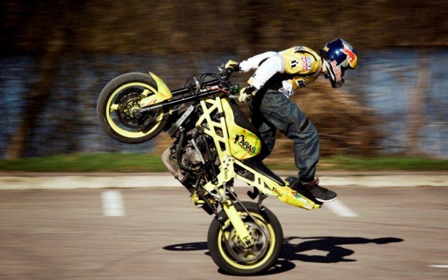 Lietuvoje vyks motociklų akrobatikos čempionatas (A. Gibiežos asmeninio archyvo nuotr.)