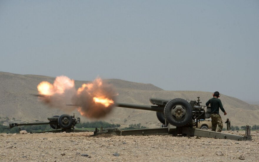 Talibanas įsiveržė į miestą Afganistano pietuose, vyksta intensyvios kovos
