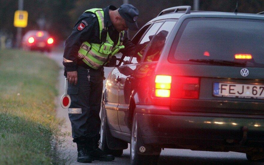 Policija Kaune tikrino vairuotojų blaivumą