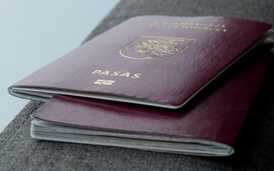 Socialdemokratams kylą klausimų, kokios teisės ir pareigos būtų susietos su dviguba pilietybe