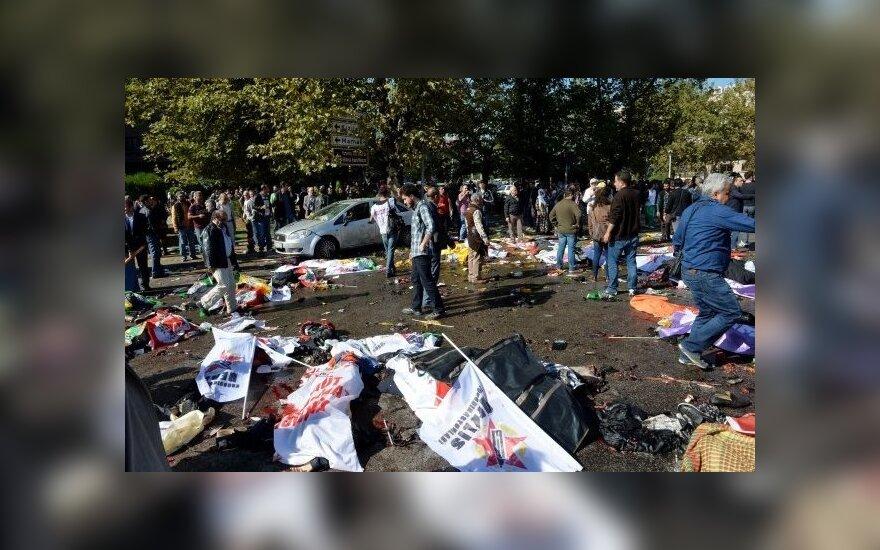 """Turkijos tyrėjai: pražūtingą sprogdinimą Ankaroje įsakė įvykdyti """"Islamo valstybė"""""""