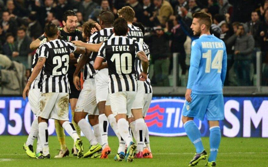 """Turino """"Juventus"""" futbolininkų džiaugsmas po pelnyto įvarčio"""