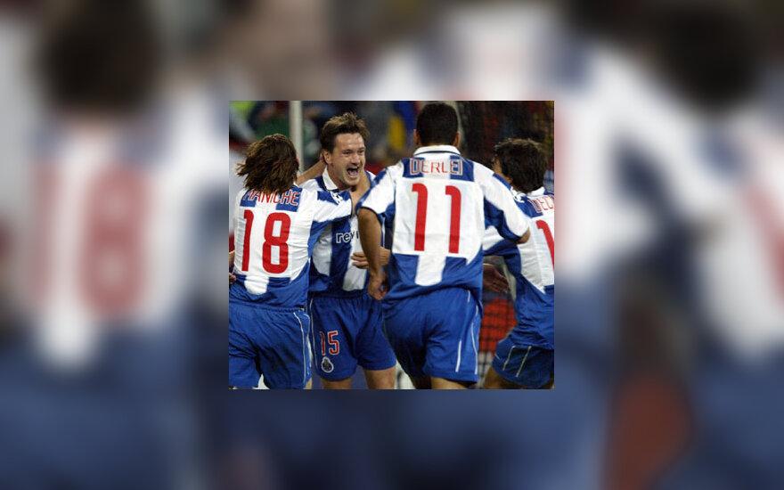 "Dmitrij Aleničev (""Porto"") džiaugiasi įvarčiu"