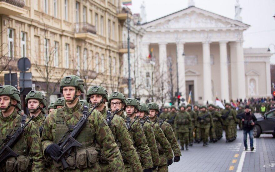 Siekdama NATO 2 proc. rodiklio, Lietuva turbūt dar šiemet didins gynybos biudžetą