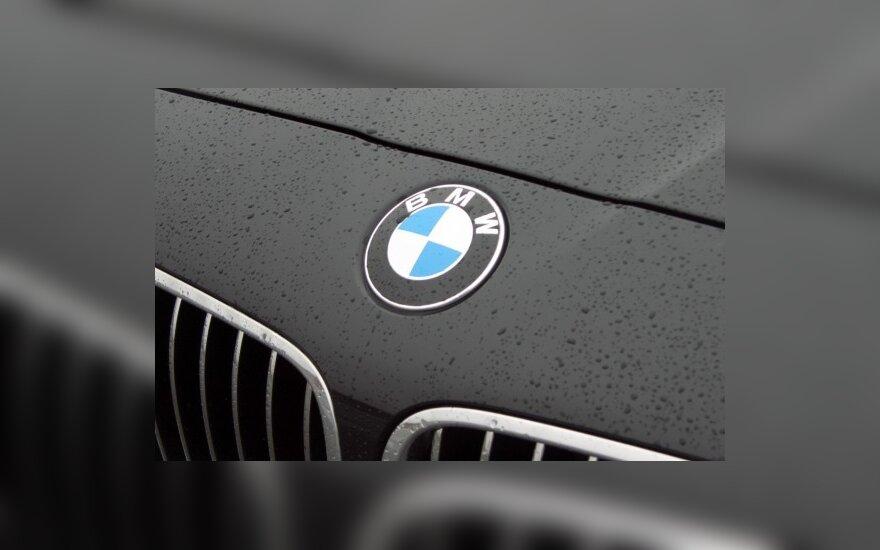 Nuolat girtas ir be teisių važinėjęs BMW vairuotojas užmušė draugą