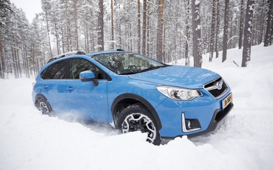 """Pirmosios kartos """"Subaru XV"""" gaminamas nuo 2012 m."""