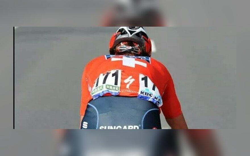 Ką aš galvoju apie naujas taisykles dviratininkams: gal pėstiesiems pariškime karvės varpelį po kaklu?