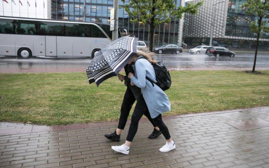 Orai: talžys vėjai, būkite atsargūs!