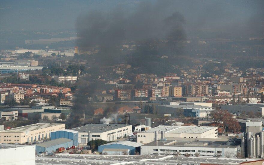 Ispanijoje užsidegus gamyklai aplinkiniams gyventojams liepta neiti į lauką