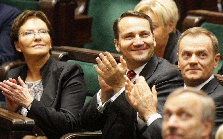 Ewa Kopacz, Radoslawas Sikorskis, Donaldas Tuskas