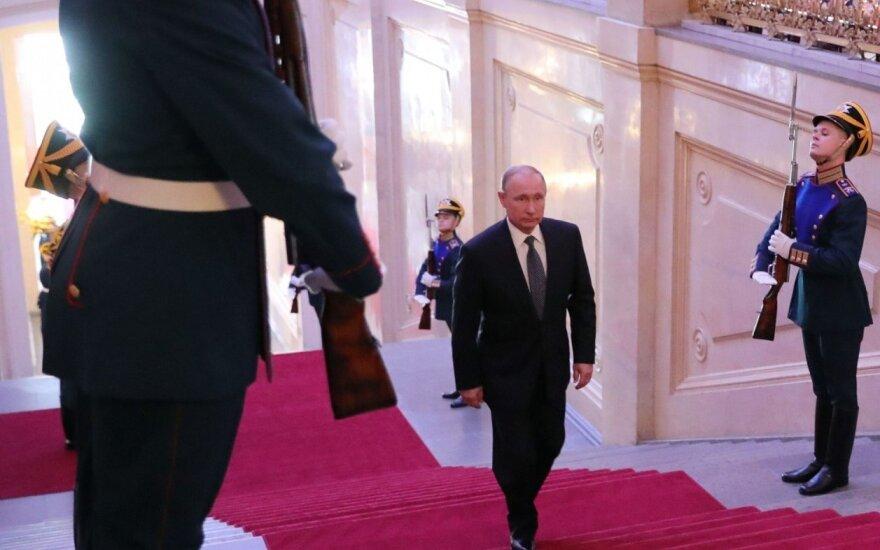 Putinui – vis daugiau nerimą keliančių ženklų, ateinantys metai bus dar blogesni