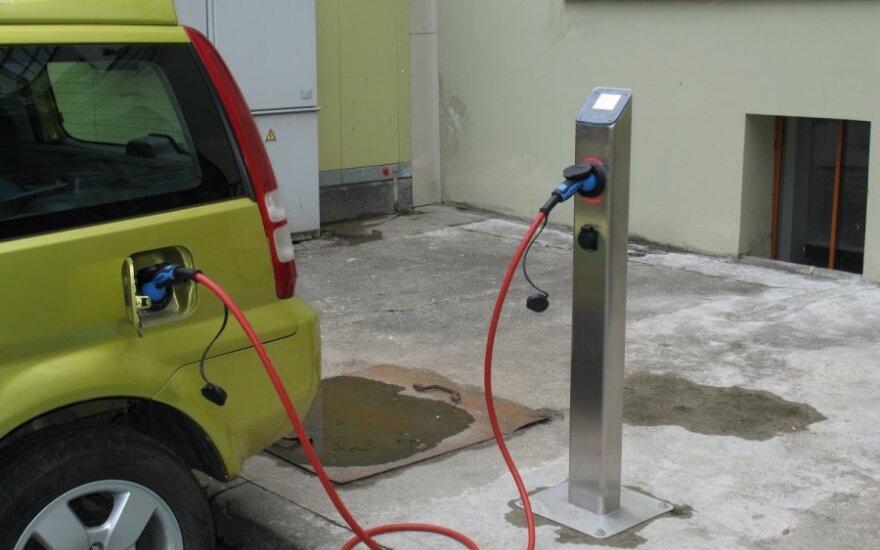 Vilniuje – pirmoji elektromobilių įkrovimo stotelė