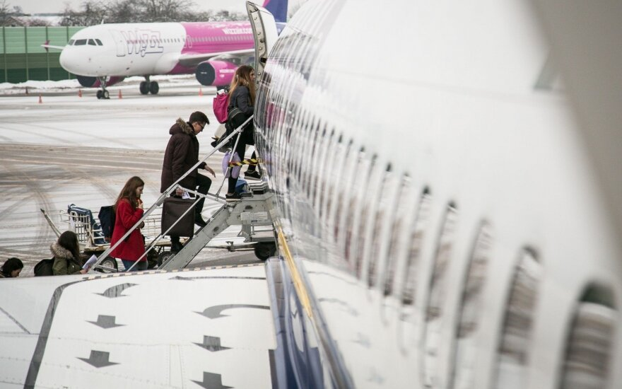 Celebrations of number of arrivals in Lithuania: are these returning Lithuanians?